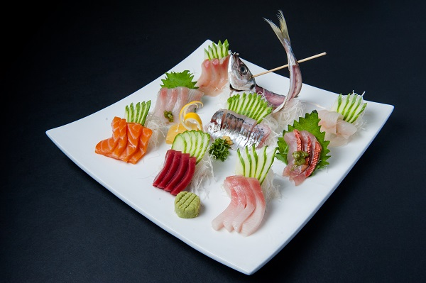 Sashimi plate with decorative dried fish